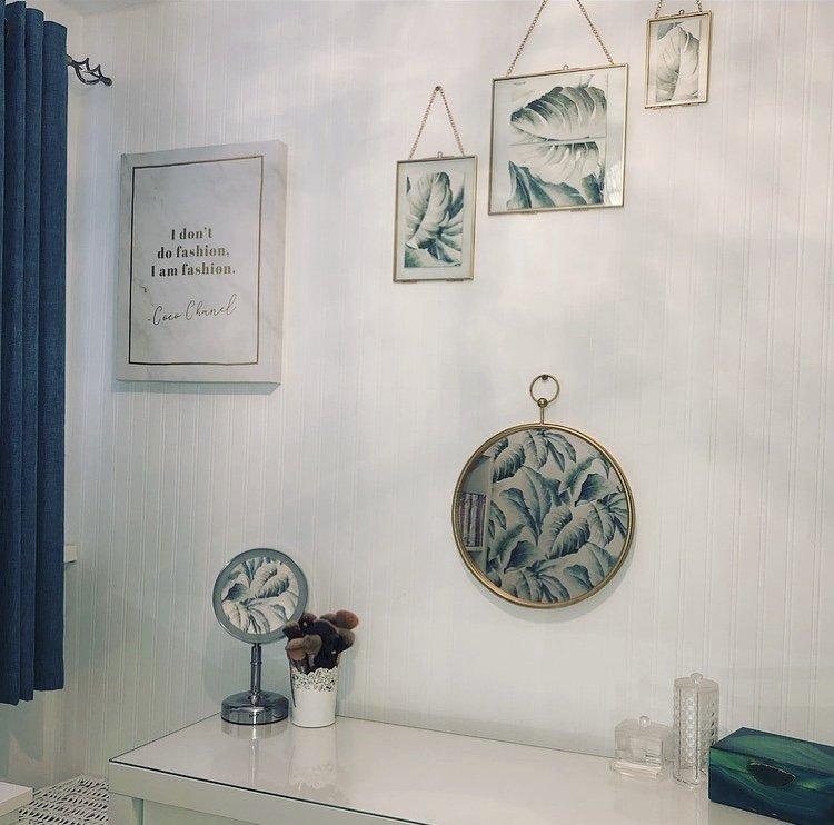 dressing room decor